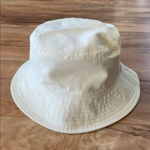 Madewell Reversible Short-Brimmed Bucket Hat
